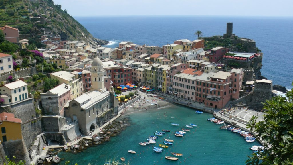 The approach into Vernazza